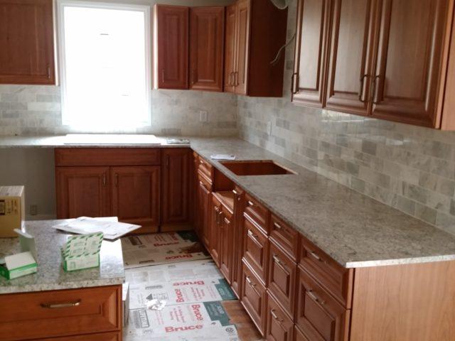 特注キッチン製作・人工大理石の天板仕上げ
