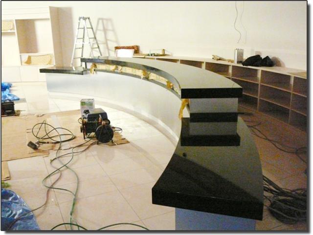 曲げ曲面の天板カウンター(人工大理石加工)