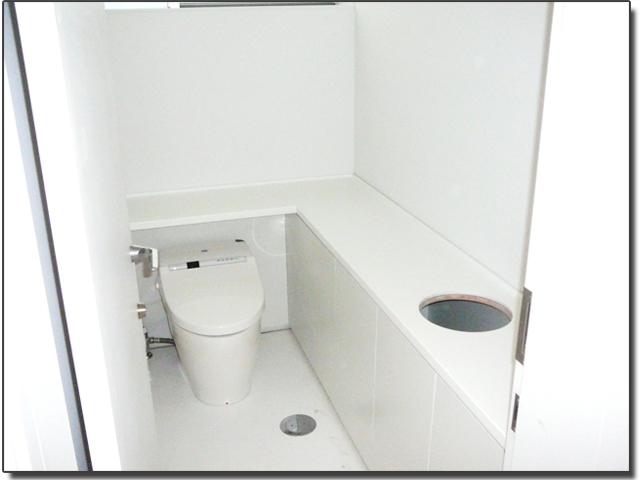 トイレ(洗面台)天板・人工大理石