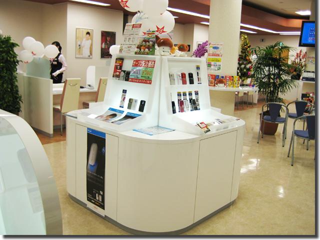 携帯ショップ・商品(携帯電話)用の飾り棚