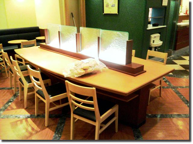 飲食店舗のカウンターテーブル(オーダー什器・木製)